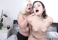 Lascivious GILF tits licked before toying and oral