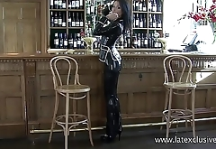 Latexclusive: Sarah in Black Latex Suit