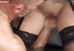 Italian Maid Hardcore fucked in her first porn casting